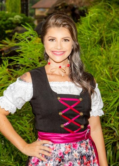 Jessica Moura Schneider