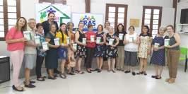 Escritores e equipe do CRAS