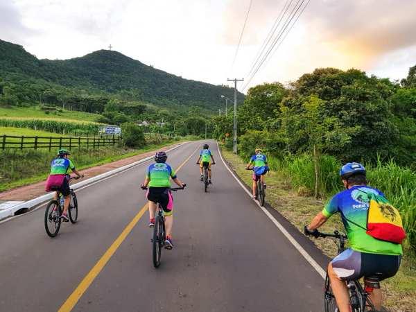 Ciclistas de toda a região enfrentaram o aclive até o ponto mais alto de Igrejinha - Foto Ismael Muller