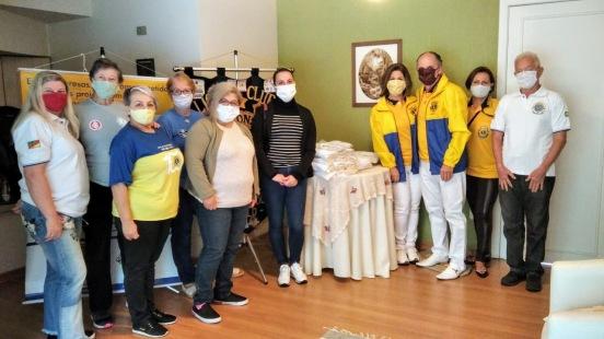 Lions Clube Taquara faz doação
